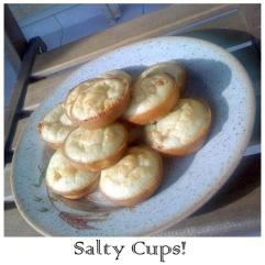Salty Cups με τυρί και λουκάνικο https://cookleit.wordpress.com/2014/01/25/salty-cups/